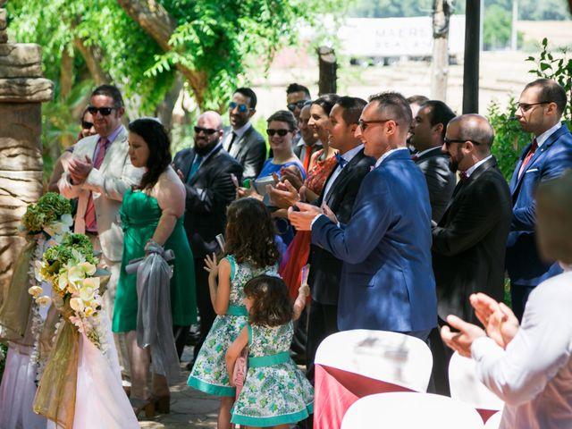 La boda de Luis y Neila en Talamanca Del Jarama, Madrid 27