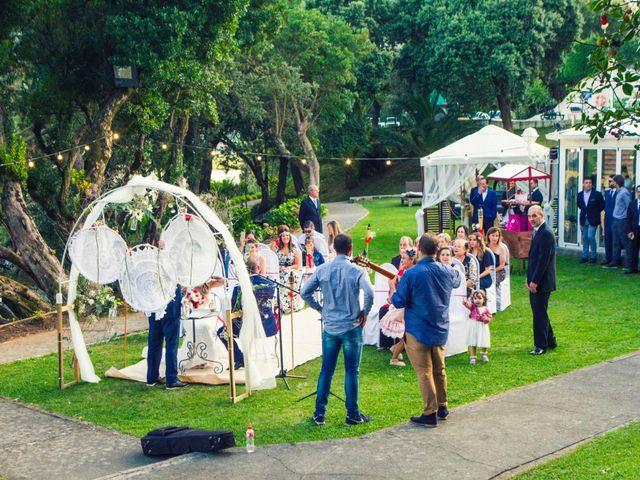 La boda de Pablo y Lydia en Isla, Cantabria 12