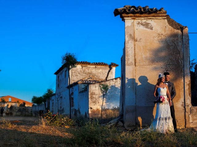 La boda de Antonio y Isa en Solana De Los Barros, Badajoz 19