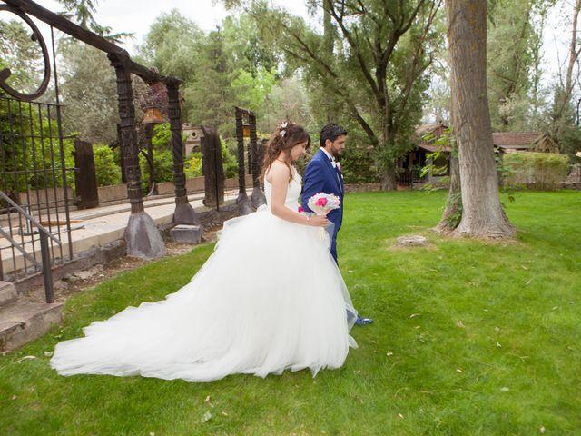 La boda de Adrian y Nadia en Alalpardo, Madrid 27