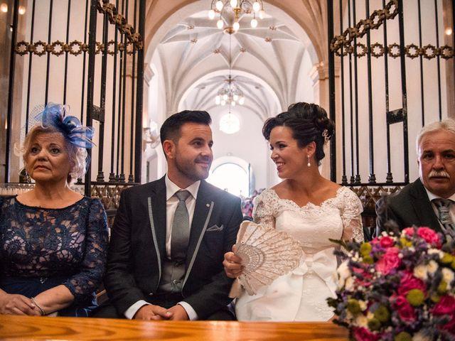 La boda de Gonzalo y Sandra en Don Benito, Badajoz 11