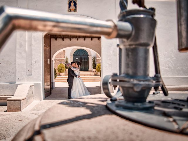 La boda de Gonzalo y Sandra en Don Benito, Badajoz 18