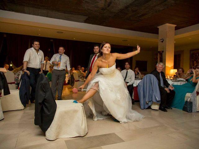 La boda de David y Natalia en León, León 26