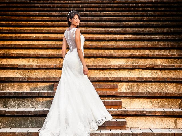 La boda de Alex y Amparo en Torrent, Valencia 3
