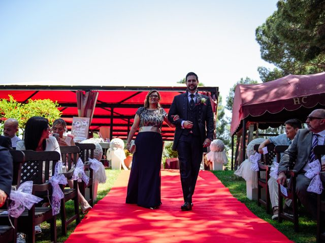 La boda de Javier y Aida en Sant Boi De Llobregat, Barcelona 34