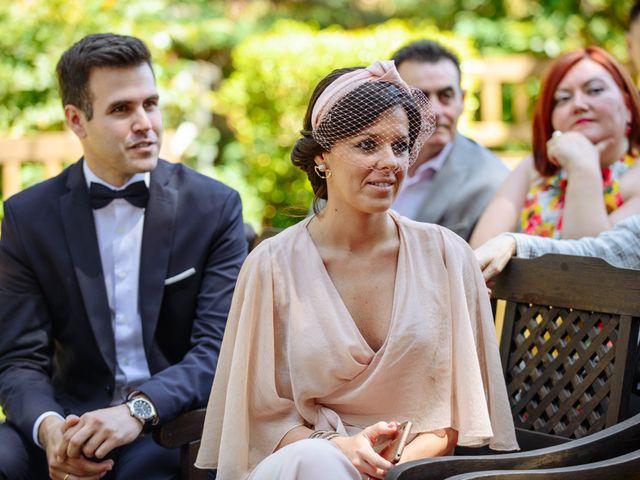 La boda de Javier y Aida en Sant Boi De Llobregat, Barcelona 36