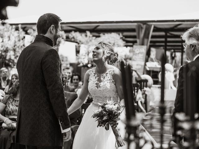 La boda de Javier y Aida en Sant Boi De Llobregat, Barcelona 44