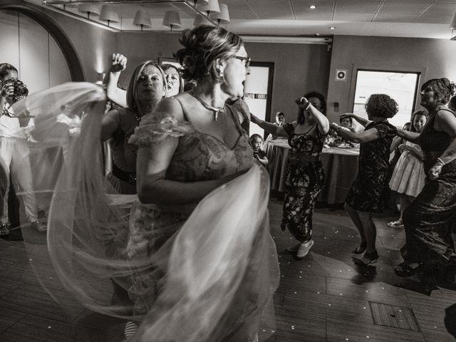 La boda de Javier y Aida en Sant Boi De Llobregat, Barcelona 95