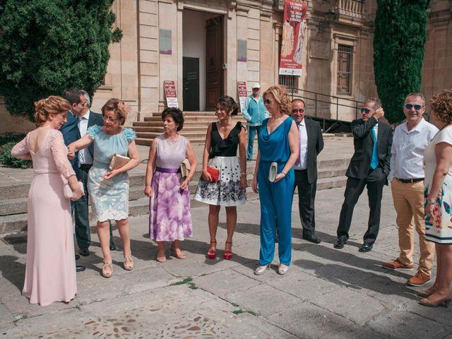 La boda de Diego y Kim en Valverdon, Salamanca 15