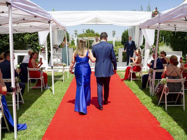 La boda de Carlos y Sara en Madrid, Madrid 29