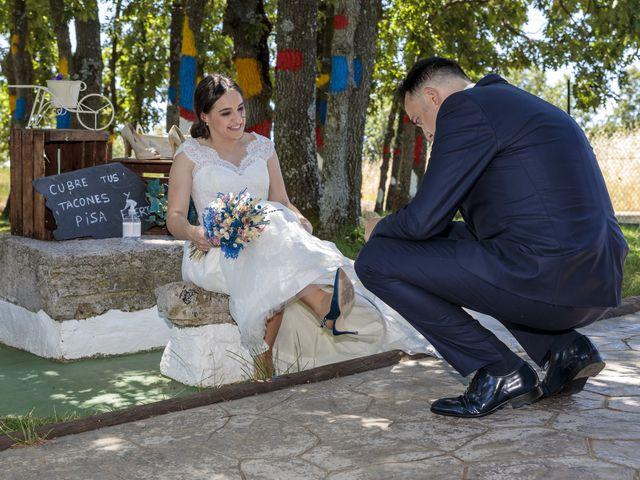 La boda de Rubén y Cristina en Garrafe De Torio, León 15