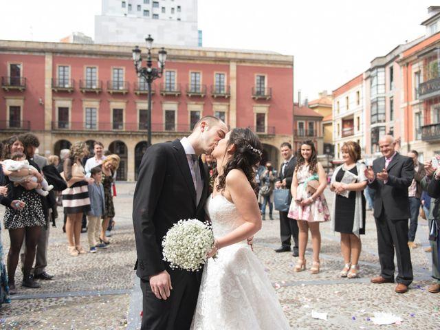 La boda de Sergio y Lucila en Gijón, Asturias 1