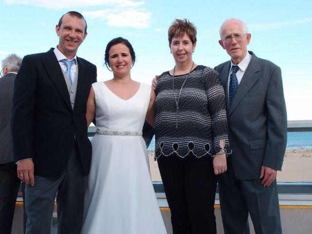 La boda de Carlos y Esther en Valencia, Valencia 17