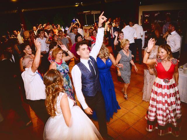 La boda de Noelia y Javier en Valdastillas, Cáceres 124