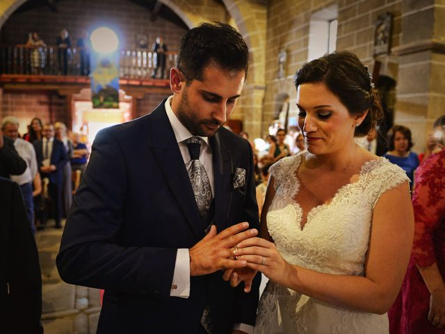 La boda de Elvira y Jonatan en Cabezabellosa, Cáceres 53