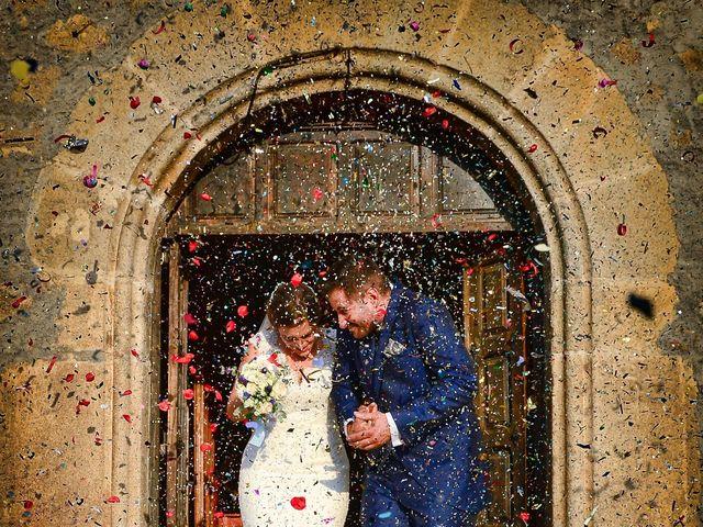 La boda de Elvira y Jonatan en Cabezabellosa, Cáceres 57