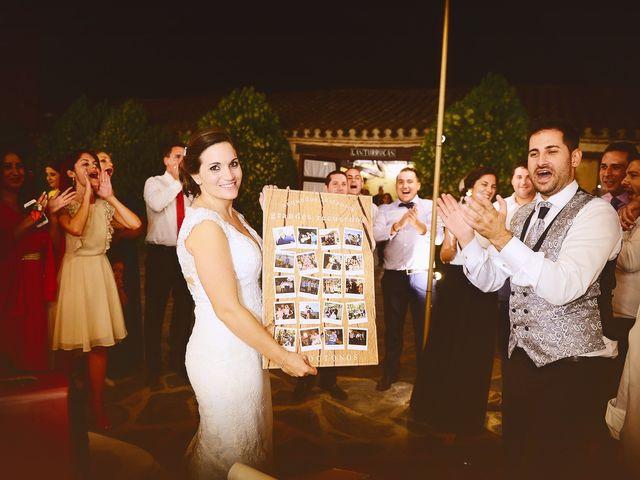 La boda de Elvira y Jonatan en Cabezabellosa, Cáceres 77