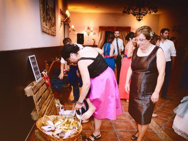 La boda de Elvira y Jonatan en Cabezabellosa, Cáceres 78