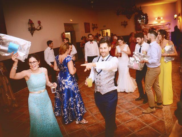 La boda de Elvira y Jonatan en Cabezabellosa, Cáceres 85