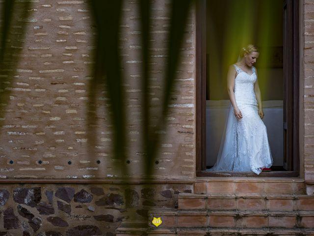 La boda de David y Amparo  en El Puig, Valencia 40