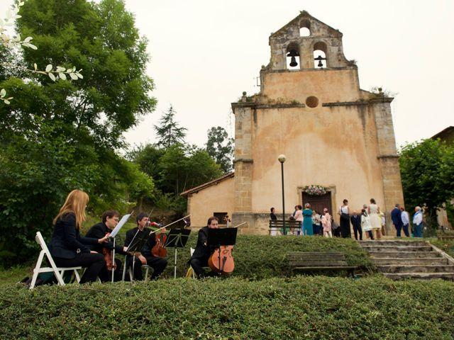 La boda de Roberto y Natalia en Martimporra, Asturias 37