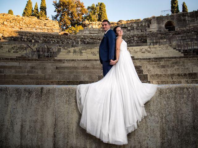 La boda de Antonio y María en Villagarcia De La Torre, Badajoz 43