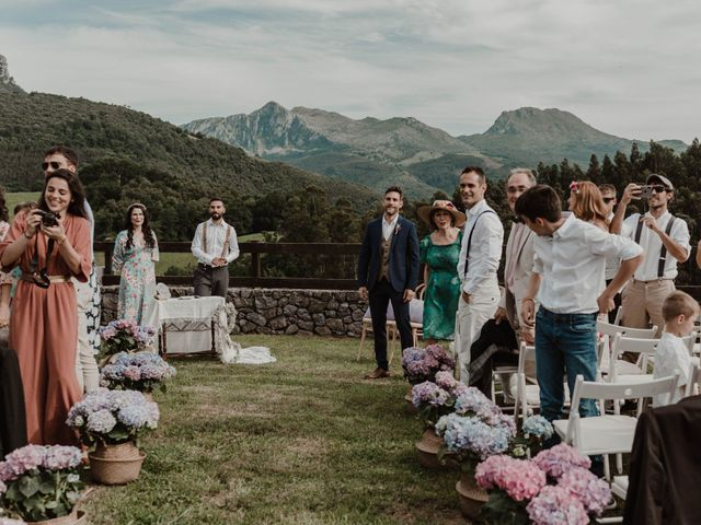La boda de Nacho y María en Rasines, Cantabria 18