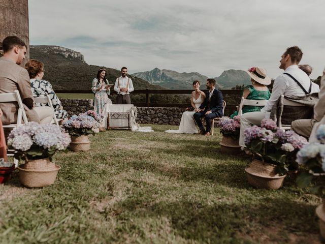La boda de Nacho y María en Rasines, Cantabria 23