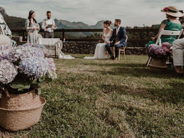 La boda de Nacho y María en Rasines, Cantabria 24