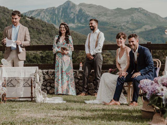 La boda de Nacho y María en Rasines, Cantabria 31