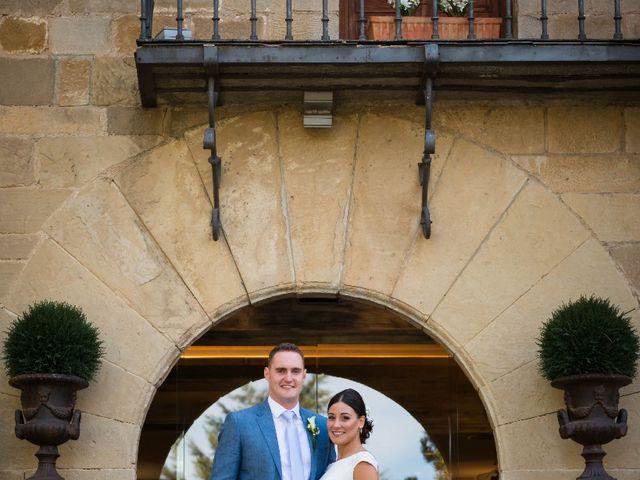 La boda de James y Izaro en Berrioplano, Navarra 3