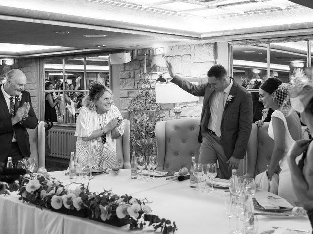 La boda de James y Izaro en Berrioplano, Navarra 11