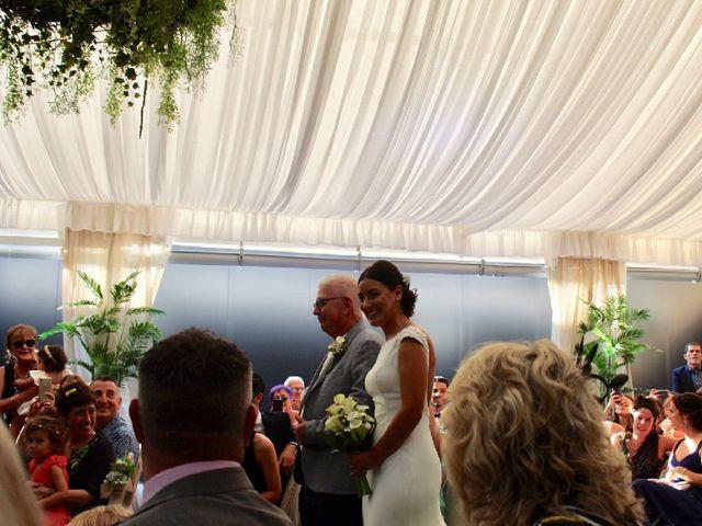 La boda de James y Izaro en Berrioplano, Navarra 20