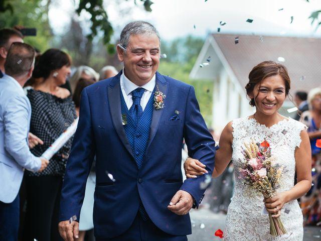 La boda de Mikel y Angie en Beasain, Guipúzcoa 33