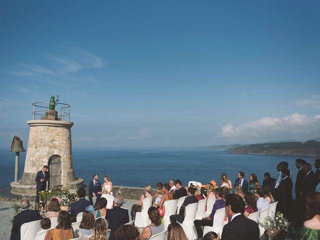 La boda de Diego y Nicole en Ortigueira, A Coruña 12