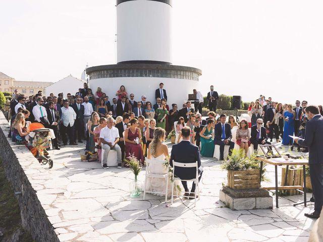 La boda de Diego y Nicole en Ortigueira, A Coruña 13
