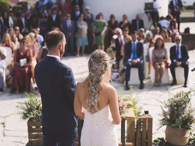 La boda de Diego y Nicole en Ortigueira, A Coruña 21