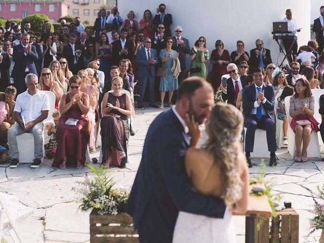 La boda de Diego y Nicole en Ortigueira, A Coruña 23