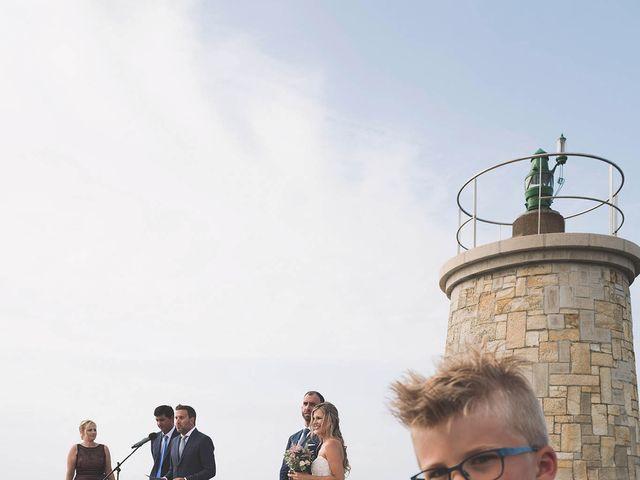 La boda de Diego y Nicole en Ortigueira, A Coruña 24