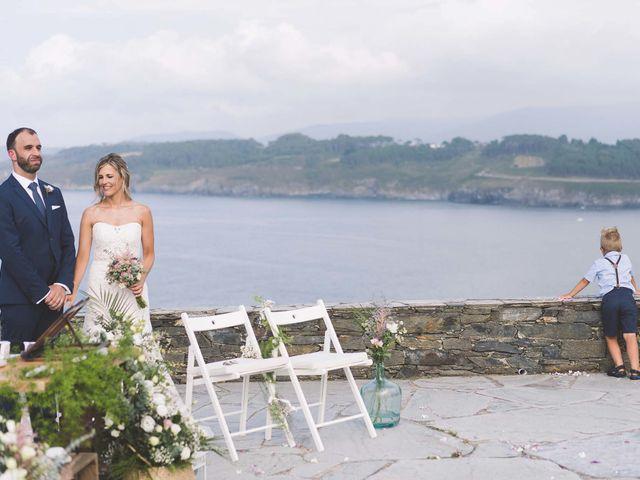 La boda de Diego y Nicole en Ortigueira, A Coruña 25