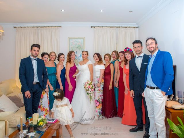 La boda de César y Gisela en La Victoria, Córdoba 29