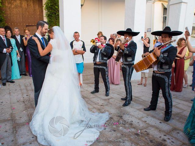 La boda de César y Gisela en La Victoria, Córdoba 36