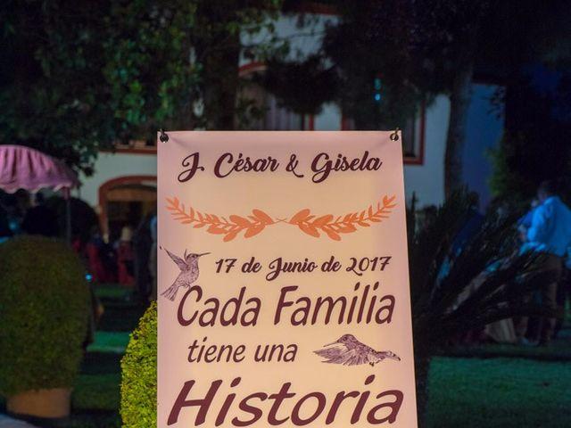 La boda de César y Gisela en La Victoria, Córdoba 43