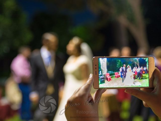 La boda de César y Gisela en La Victoria, Córdoba 44