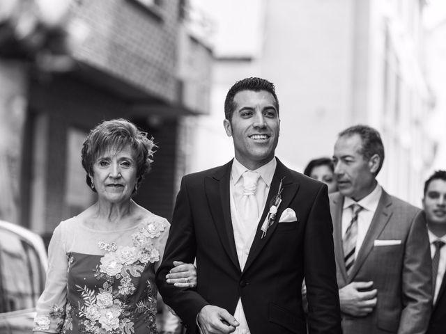La boda de Raúl y Ana en Banyeres De Mariola, Alicante 10