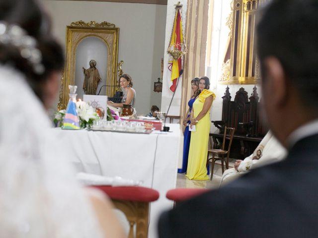 La boda de Valen y Gemma en La Roda, Albacete 25