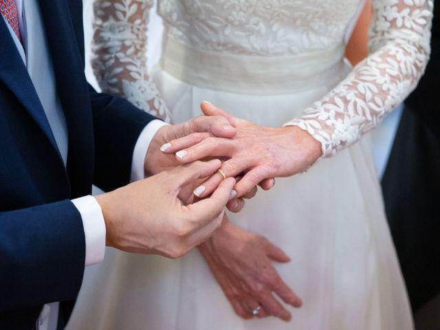La boda de Javier y Paula en Avilés, Asturias 17