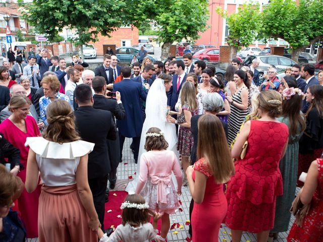 La boda de Javier y Paula en Avilés, Asturias 19