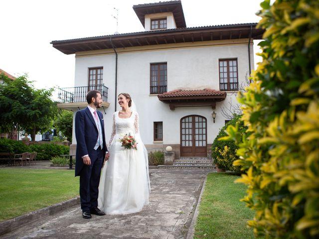 La boda de Javier y Paula en Avilés, Asturias 20