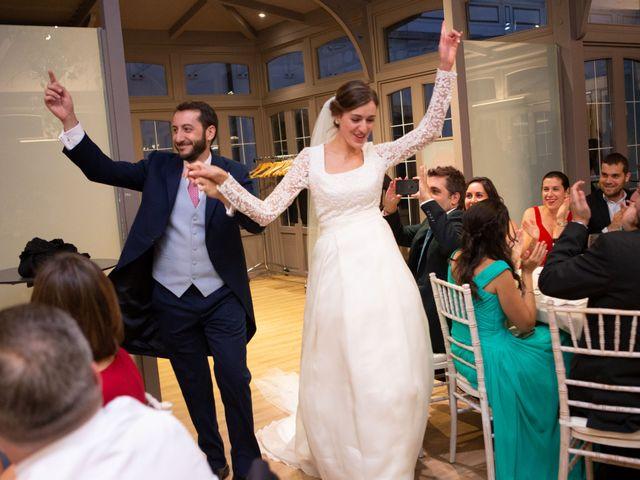 La boda de Javier y Paula en Avilés, Asturias 27